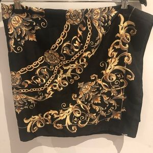 Beautiful scarf by H&M